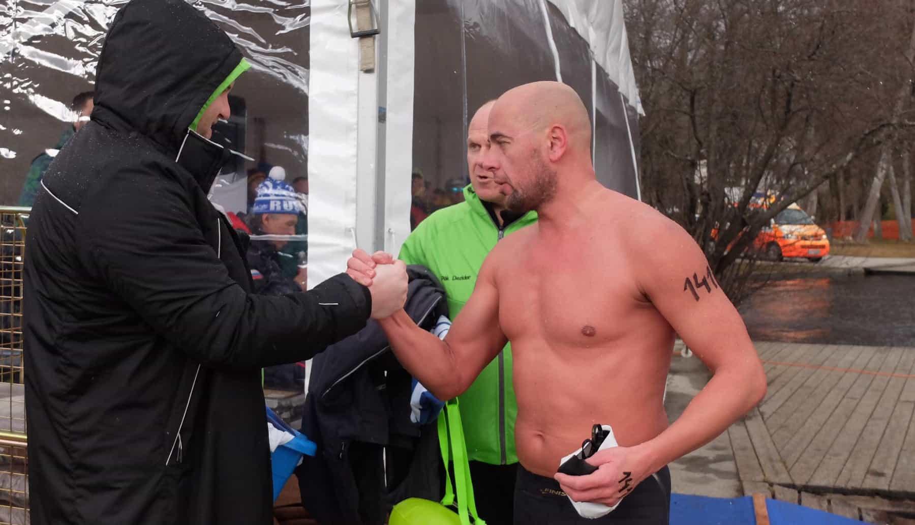 Impressionen vom Rennen über 1.000 Meter bei der Winterschwimm-WM in Bled (Slowenien)
