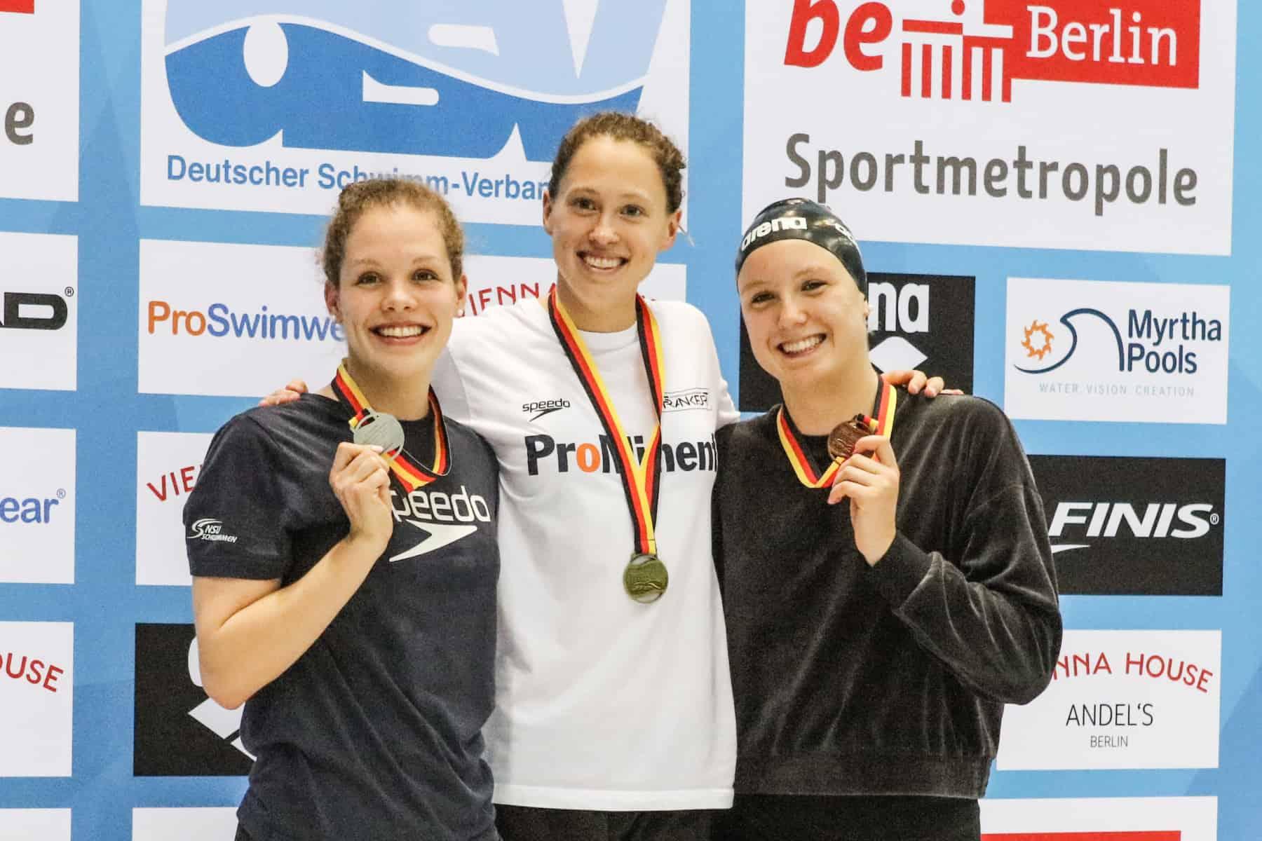 Das Podium über 800 Meter: Celine Rieder, Sarah Kölhler, Isabel Gose (v. l.)