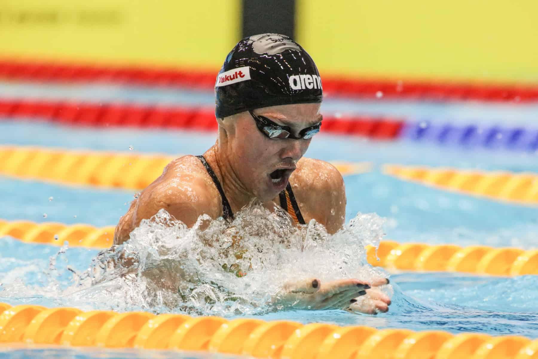 Die Schwimmerin aus Gladbeck macht den Sieg perfekt.