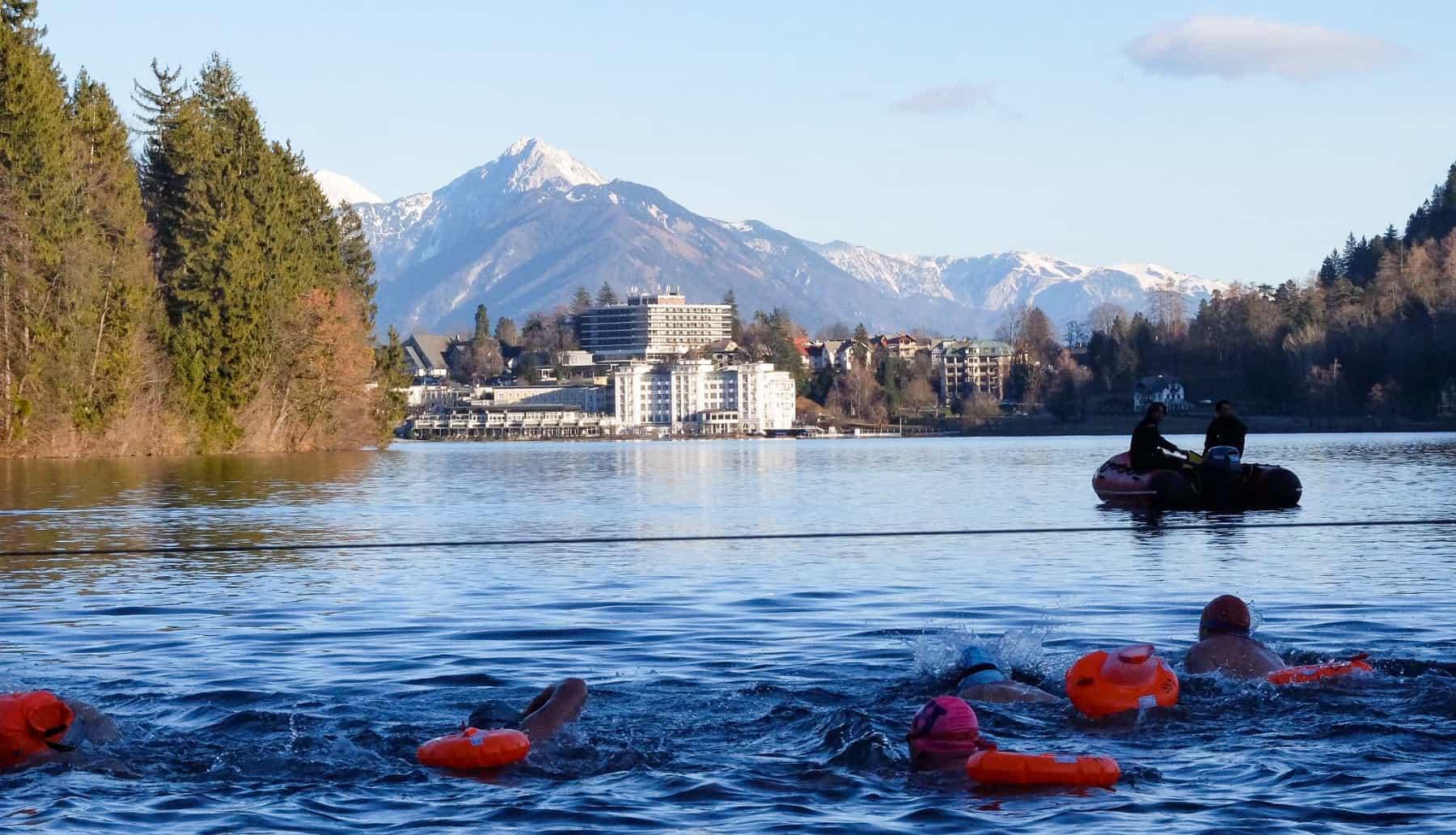 Tag 4 der Winterschwimm-WM in Bled: Bei Kaiserwetter machten die Wettkämpfe noch mehr Spaß.