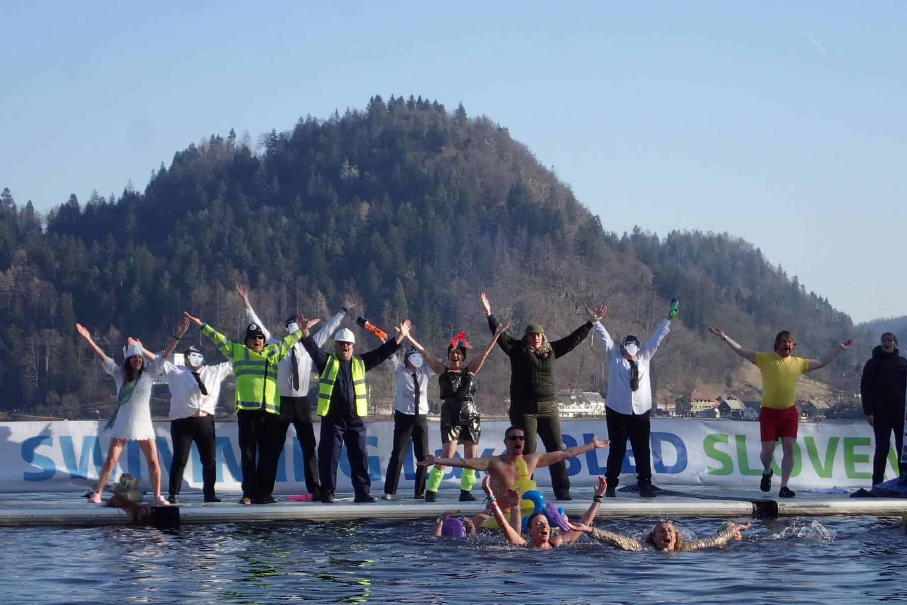 Sprints und Gaudi am Schlusstag der Winterschwimm-WM in Bled.